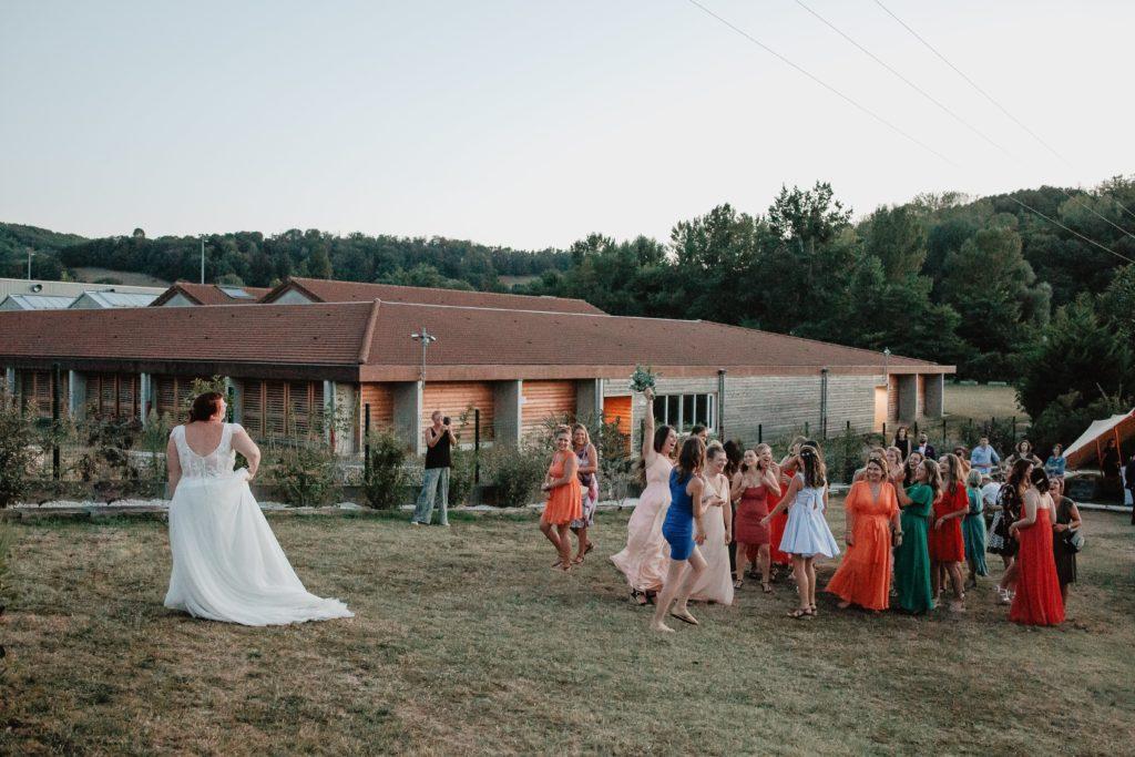 lancé bouquet mariage